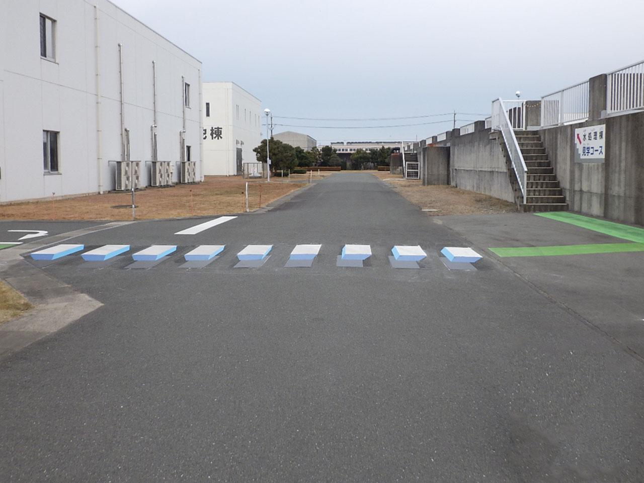 立体横断歩道